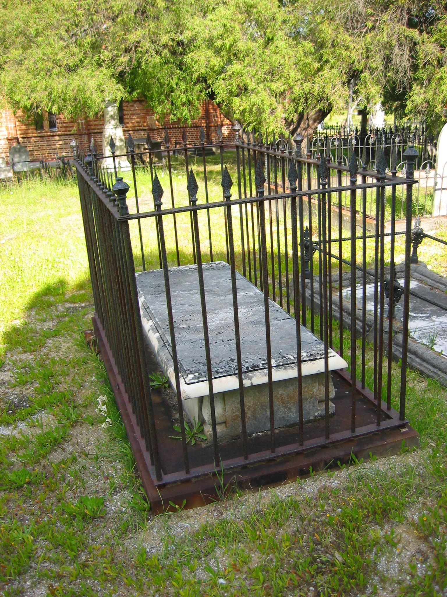 Lewis Grave